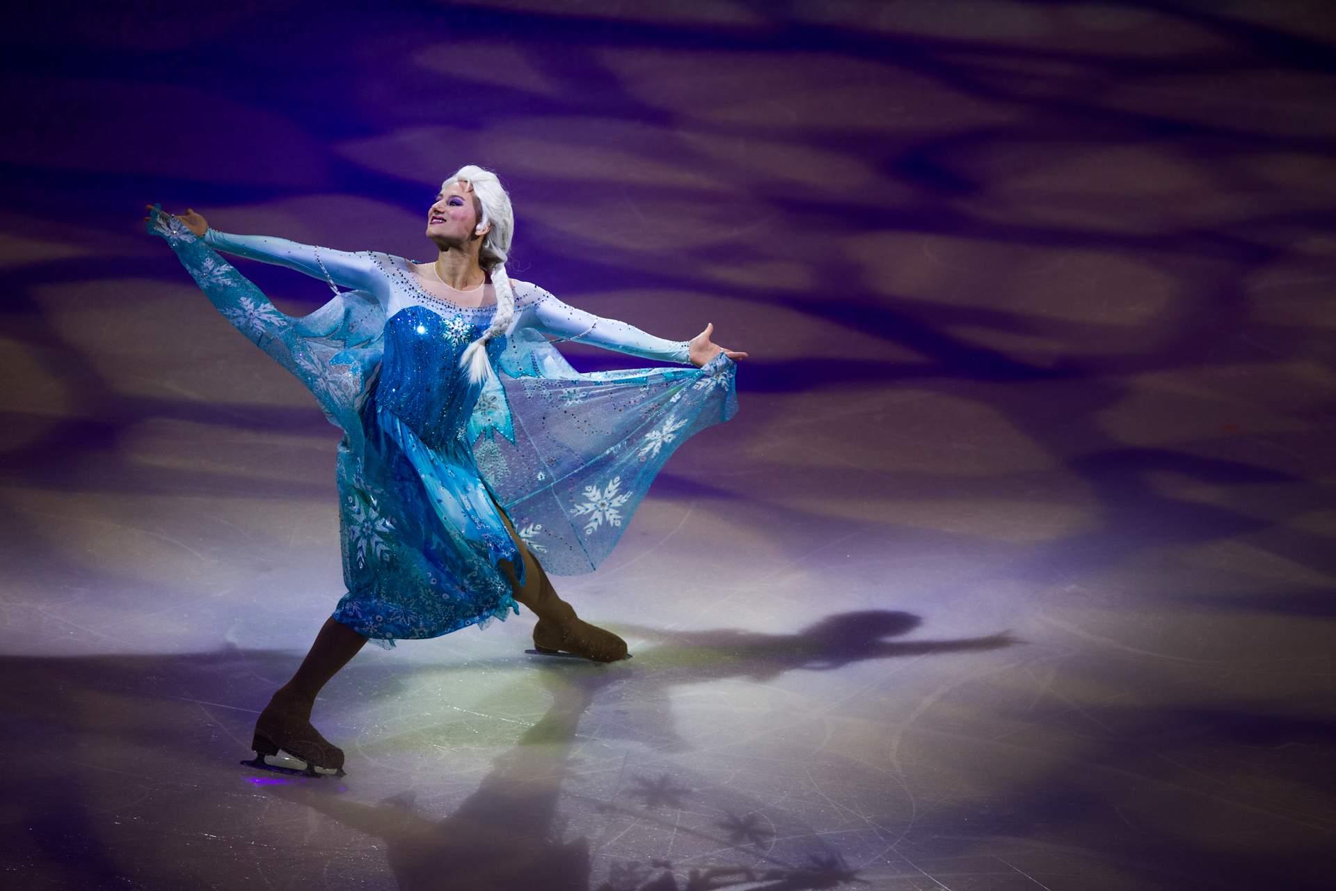 Elsa dancing and skating on ice