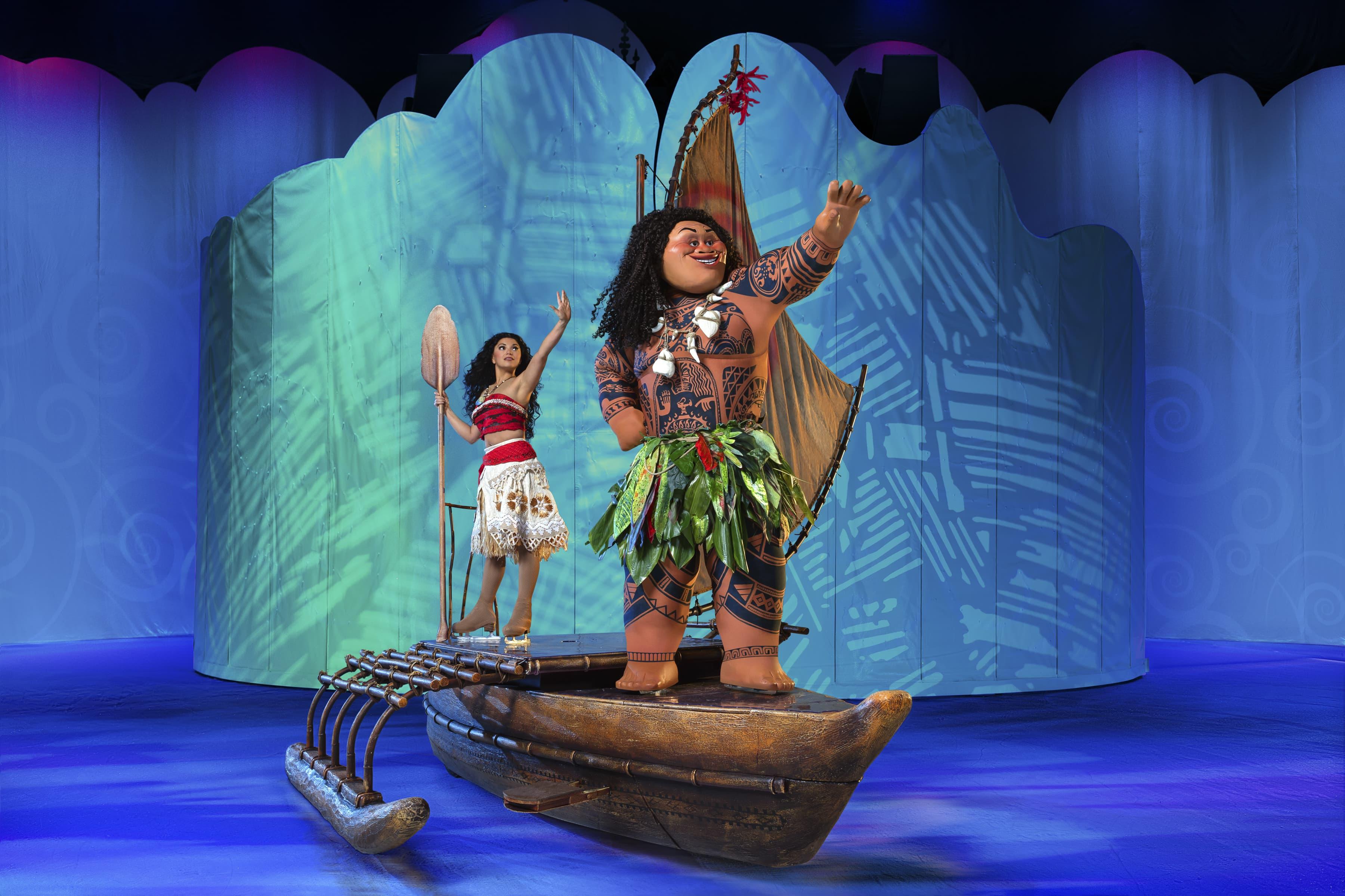 Moana and Maui on the canoe