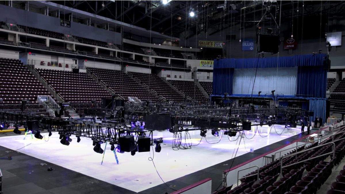 Building a Disney On Ice Set!